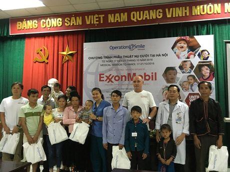 80.000 USD ho tro cham soc suc khoe benh nhan nhi - Anh 4