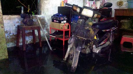 TP Ho Chi Minh lai ngap nang do trieu cuong va mua lon - Anh 8