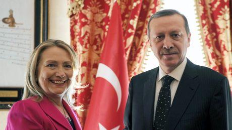 Tho Nhi Ky se roi NATO ngay khi ba Clinton tro thanh tong thong? - Anh 1