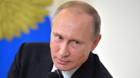 Gap su co bat ngo khi hop bao, ong Putin noi dua ve My - Anh 1