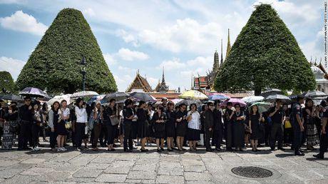 Nguoi dan Thai Lan de tang nha vua nhu the nao? - Anh 10