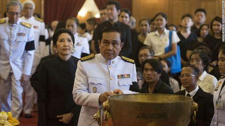 Nguoi dan Thai Lan de tang nha vua nhu the nao? - Anh 7