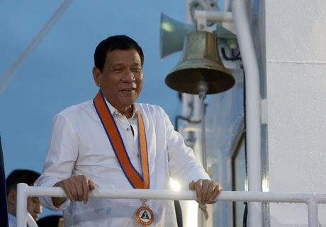 Tinh hinh Bien Dong: Tong thong Duterte khong bao gio tu bo Scarborough - Anh 1