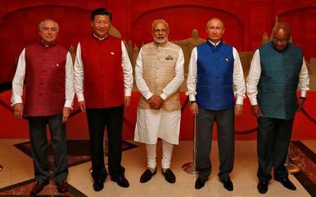 BRICS va vai tro giai quyet nhung van de toan cau - Anh 1
