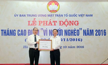 Phat dong Thang cao diem 'Vi nguoi ngheo' - Anh 1