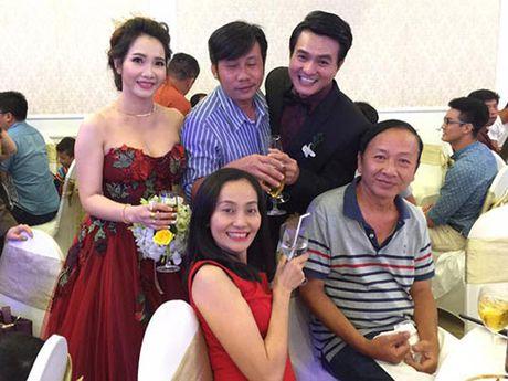 "Dien vien ""Mui ngo gai"" Cao Minh Dat ket hon o tuoi 41 - Anh 7"