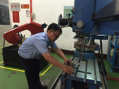 Ngan hang TP.HCM tang cuong tin dung doanh nghiep - Anh 1