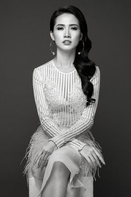 Phan Thi Mo tung bo anh sexy sau khi duoc ban trai tang nhan tien ti - Anh 5