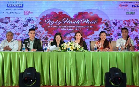 MC Thanh Bach, Dam Vinh Hung lo lang ngay hanh phuc cho nhung nguoi khuyet tat - Anh 2