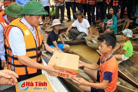 Bo truong Bo NN&PTNT: Khong de bat cu mot nguoi dan nao doi khat - Anh 2