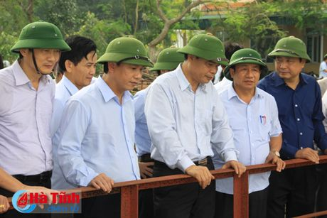 Bo truong Bo NN&PTNT: Khong de bat cu mot nguoi dan nao doi khat - Anh 7