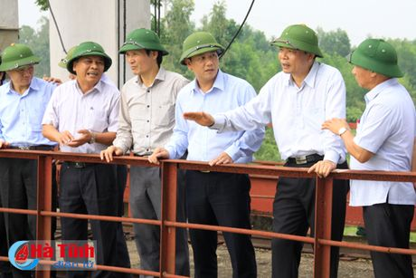 Bo truong Bo NN&PTNT: Khong de bat cu mot nguoi dan nao doi khat - Anh 8
