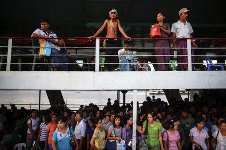 Chim pha o Myanmar, 25 nguoi chet va gan 100 nguoi mat tich - Anh 1