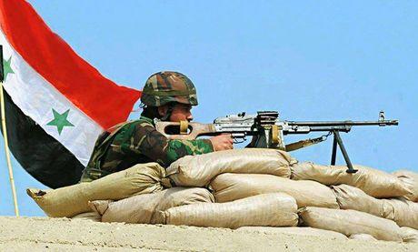 Quan doi Syria tan cong nam thanh pho Aleppo - Anh 1
