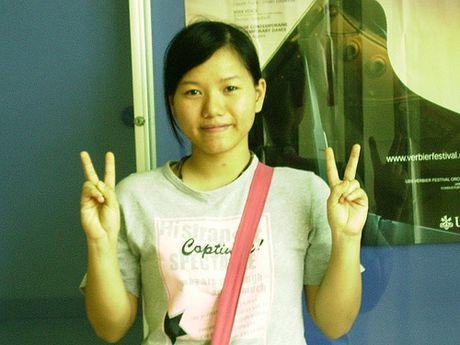 Sau khi 'lot xac', Thuy Chi hat 'Chua bao gio' gay sot - Anh 1