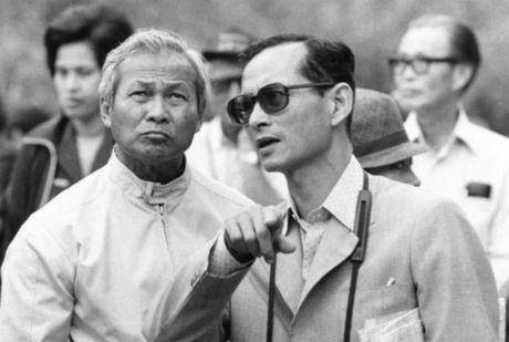 Cuoc doi binh nghiep cua quan nhiep chinh 96 tuoi Thai Lan - Anh 2