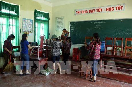 Hon 300 truong tai Ha Tinh phai cho hoc sinh nghi hoc do mua lu - Anh 1