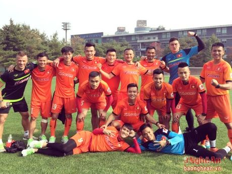 HLV Nguyen Huu Thang nhan tin vui tu Ngoc Hai va Dinh Hoang - Anh 1
