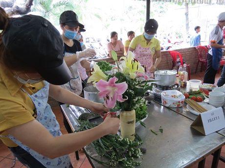 Anh chi em tro tai vao bep nhan ngay Phu nu Viet Nam - Anh 2