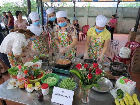 Anh chi em tro tai vao bep nhan ngay Phu nu Viet Nam - Anh 4