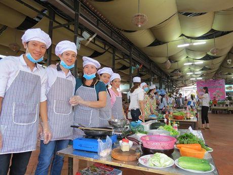 Anh chi em tro tai vao bep nhan ngay Phu nu Viet Nam - Anh 7