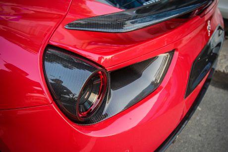Sieu xe Ferrari 488 GTB len goi do hang hieu o Da Nang - Anh 6
