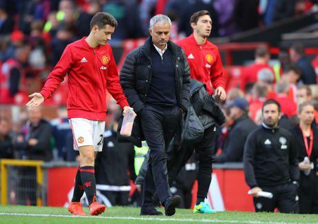 Scholes khen Liverpool, che MU cua Mourinho thieu ban sac - Anh 2