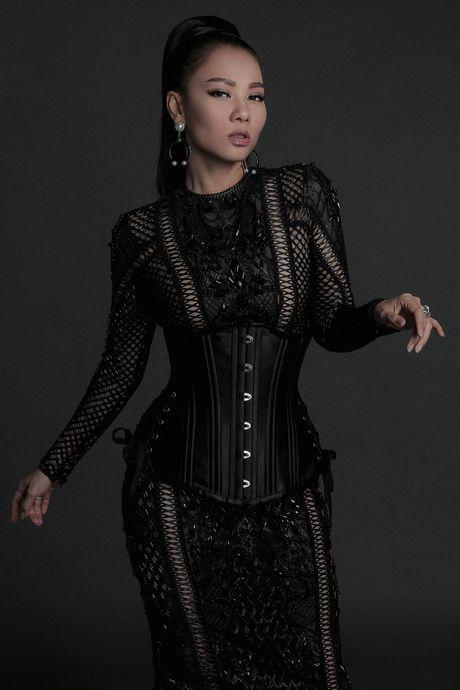 8 sao nu chup anh quang ba show Chung Thanh Phong - Anh 4