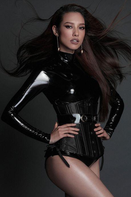 8 sao nu chup anh quang ba show Chung Thanh Phong - Anh 7