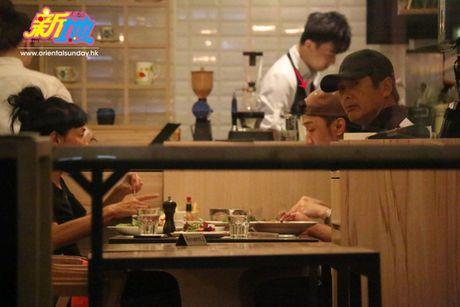 Lo dien nguoi thua ke 163 trieu USD cua Chau Nhuan Phat - Anh 1