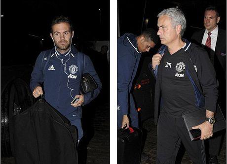 Do bo Liverpool giua dem, Mourinho quyet lay diem tai Anfield - Anh 4