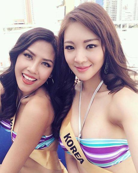 Xem man bikini ruc lua cua Nguyen Thi Loan tai Miss Grand International 2016 - Anh 4