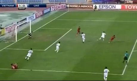 U19 Viet Nam: Minh Di na dai bac xe luoi U19 UAE - Anh 1
