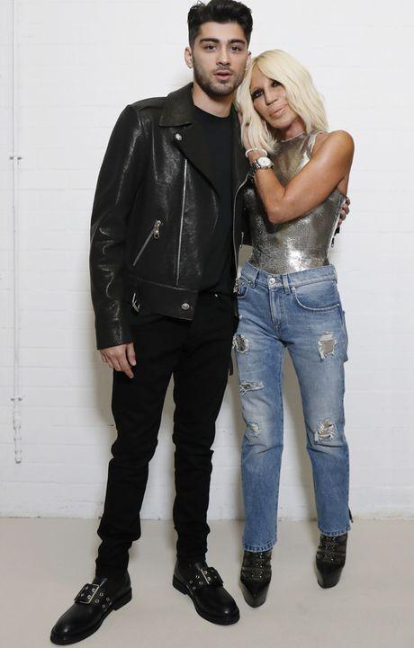 Ban trai sieu mau Gigi Hadid hop tac cung Versus Versace - Anh 2