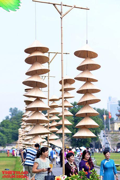 Nguoi Ha Noi tap nap 'di cho' mua ao dai - Anh 4