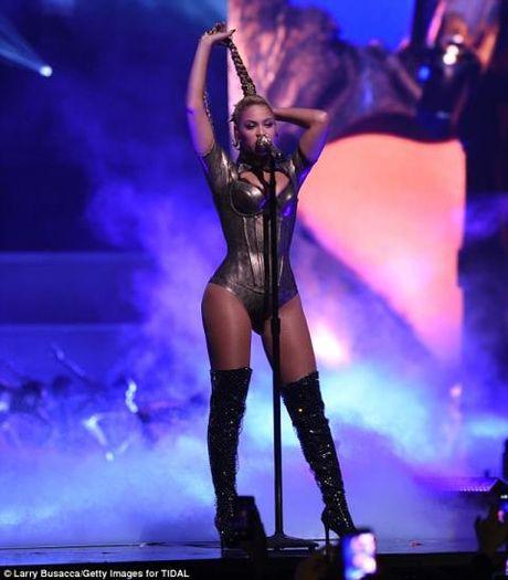 Than phuc man dien chuyen nghiep cua Beyonce du tai dang ri mau - Anh 4