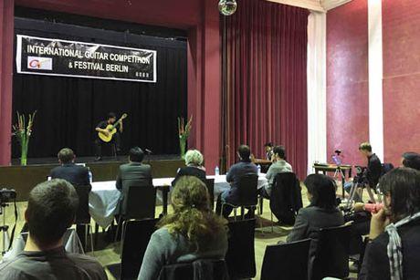 Tran Tuan An doat giai Nhi Lien hoan va thi guitar quoc te Berlin 2016 - Anh 1