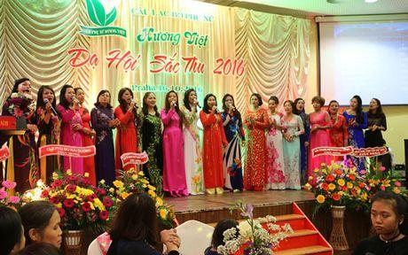 Da hoi Sac Thu ton vinh phu nu Viet Nam tai Cong hoa Sec - Anh 1