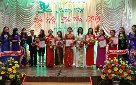 Da hoi Sac Thu ton vinh phu nu Viet Nam tai Cong hoa Sec - Anh 3