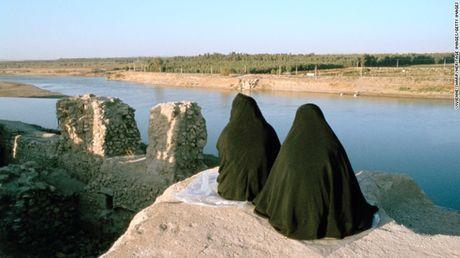 Anh Mosul-Iraq thoi chua co su hien dien cua My va luc luong co den IS - Anh 7