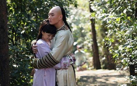 Cay dang nhung ong vua bi 'cam sung' tren man anh Hoa Ngu - Anh 6
