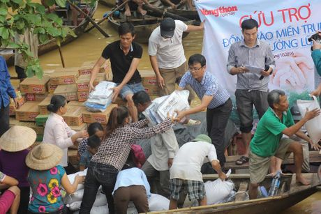 Huong Khe: Gan 10 ngan hoc sinh chua the den truong - Anh 4