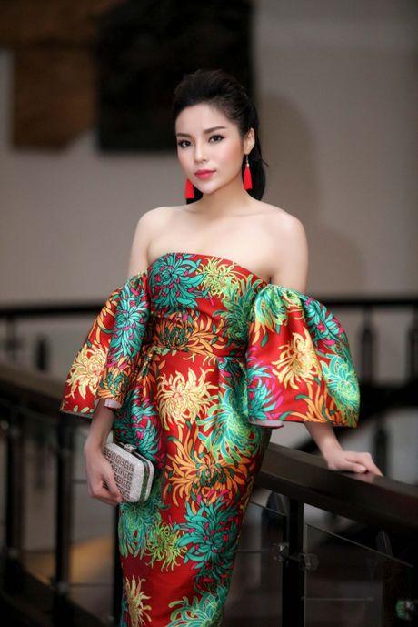 Ky Duyen dat diem 9, 10 du 'dung hang' sao Viet hot - Anh 13