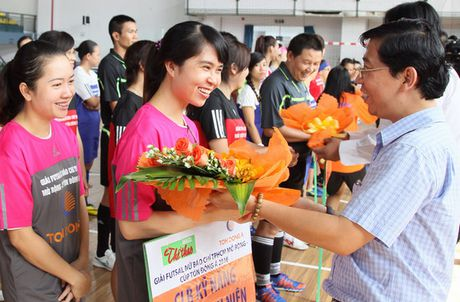 Giai Futsal nu Bao chi TPHCM mo rong – Cup Ton Dong A 2016: Ngay hoi bong da cua cac nha bao nu - Anh 2
