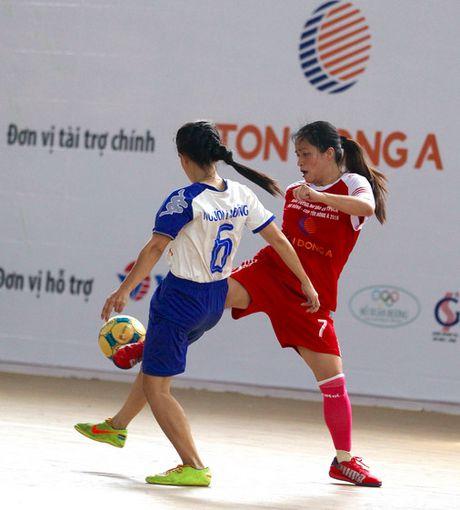 Giai Futsal nu Bao chi TPHCM mo rong – Cup Ton Dong A 2016: Ngay hoi bong da cua cac nha bao nu - Anh 3