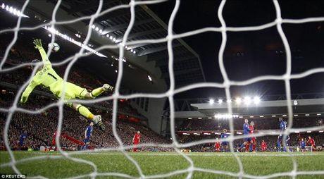 Liverpool 0-0 Man United: Ton vinh hang thu - Anh 2