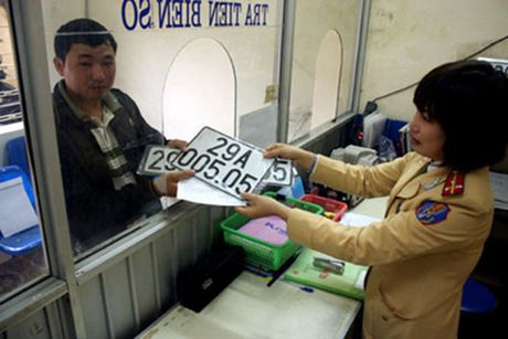 Le phi dang ky oto len den 20 trieu dong tu 1/2017 - Anh 1