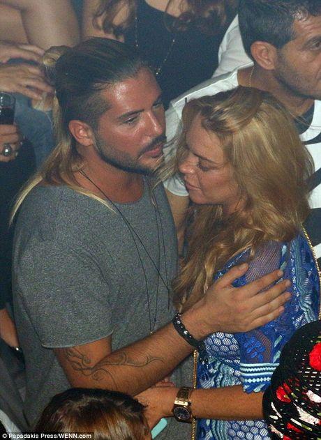 Lindsay Lohan bi bat gap khoa moi ban trai tin don - Anh 4