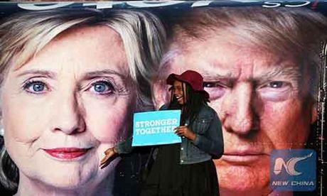 Bau cu My: Ba Hillary Clinton bo xa ty phu Donald Trump - Anh 1