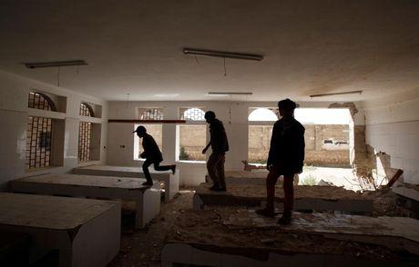 Canh tan hoang o dat nuoc Yemen ben bo vuc sup do - Anh 7
